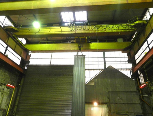 Reliable and safe overhead crane